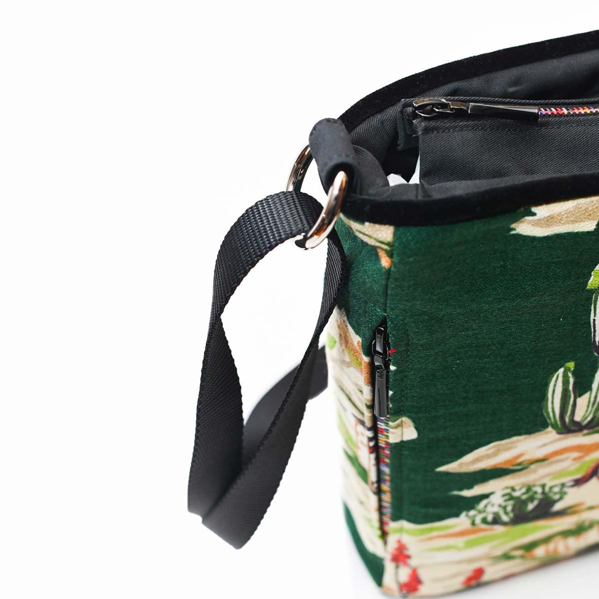crossbody bag western motif on green DSC 6573