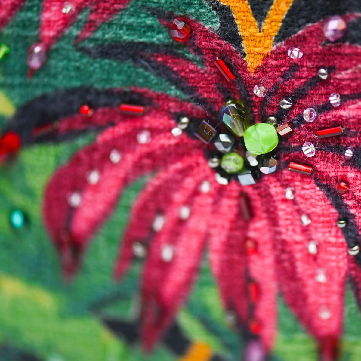 handbeaded clutch tropical leaves on black DSC 6165