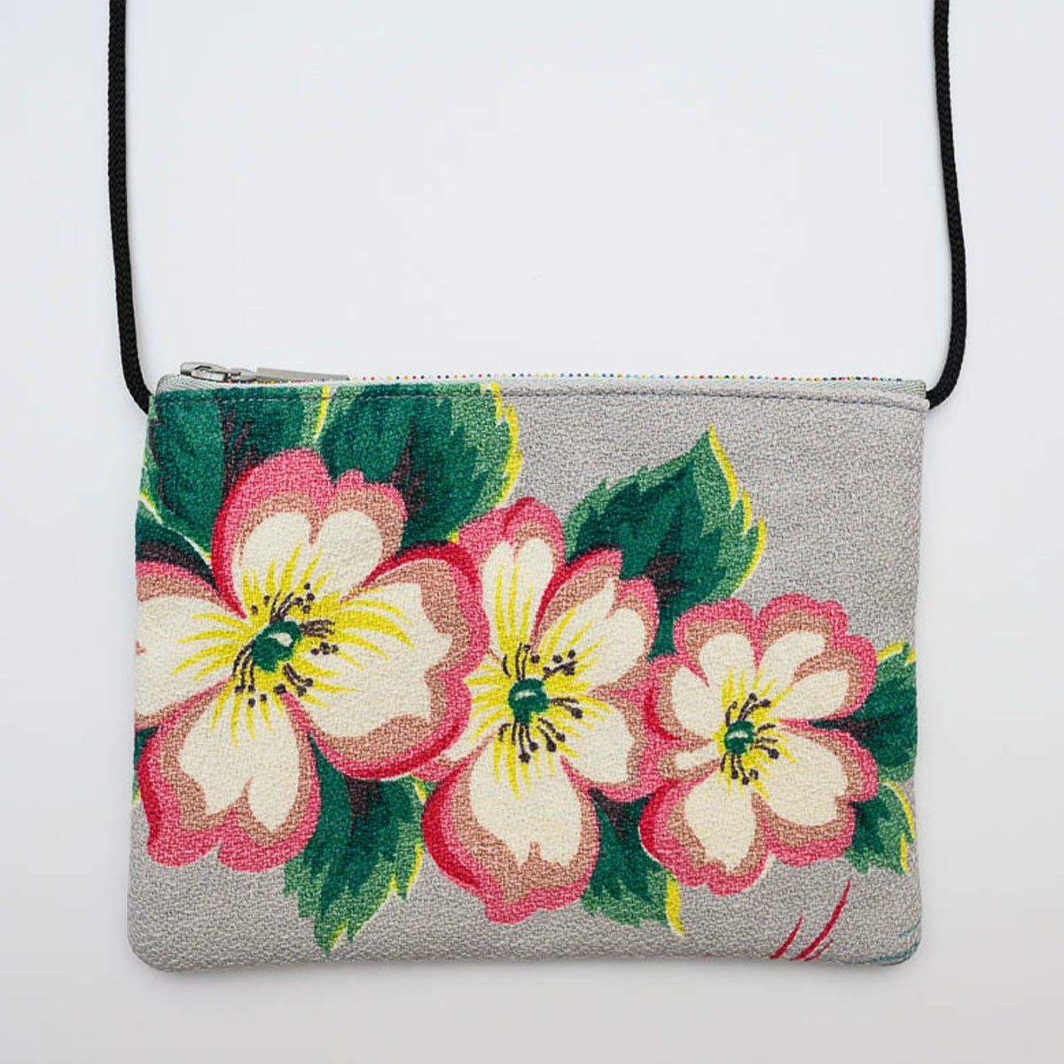 opera_bag_floral_motif_on_gray-MLP_6174