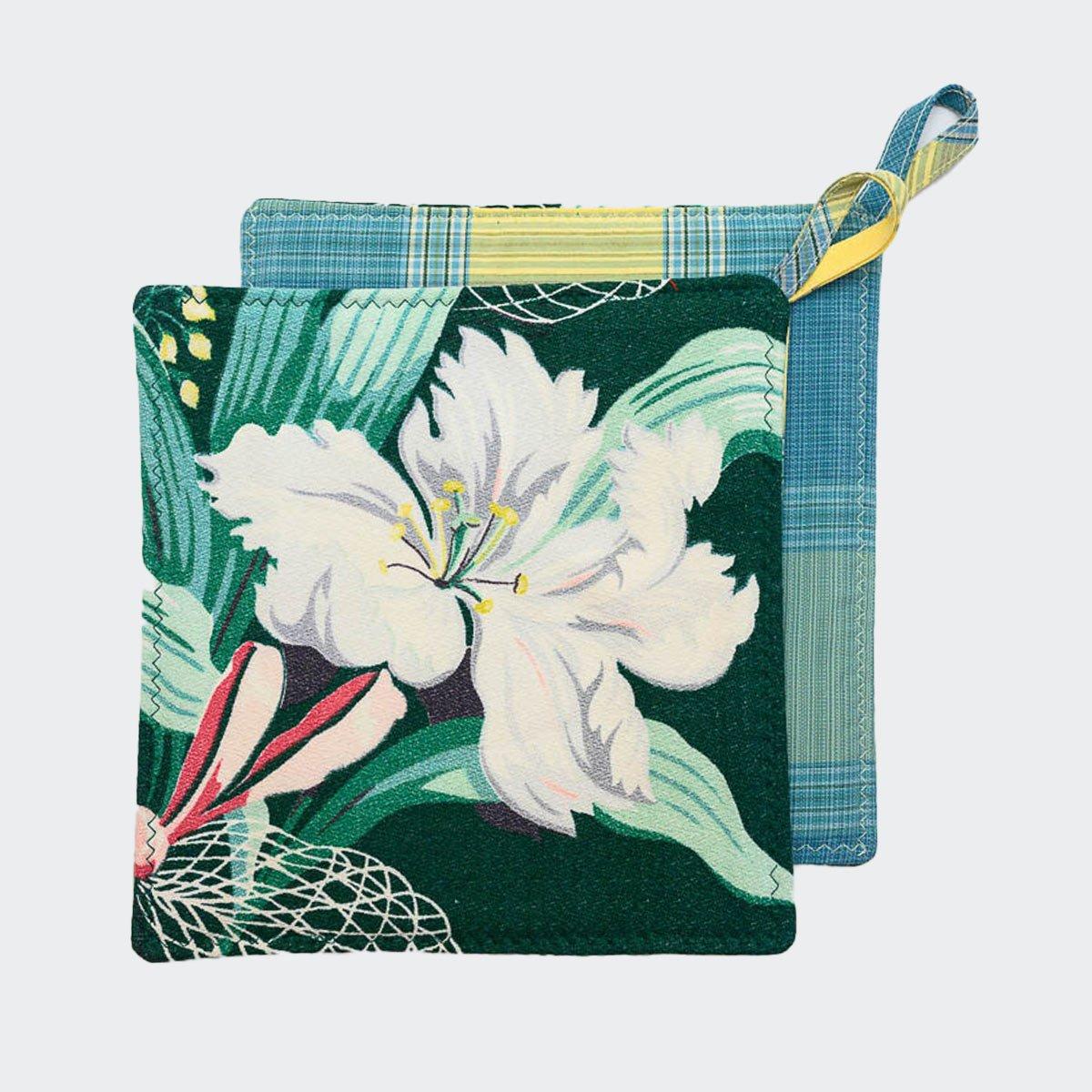 potholders_floral_motif_on_green-MLP_6148