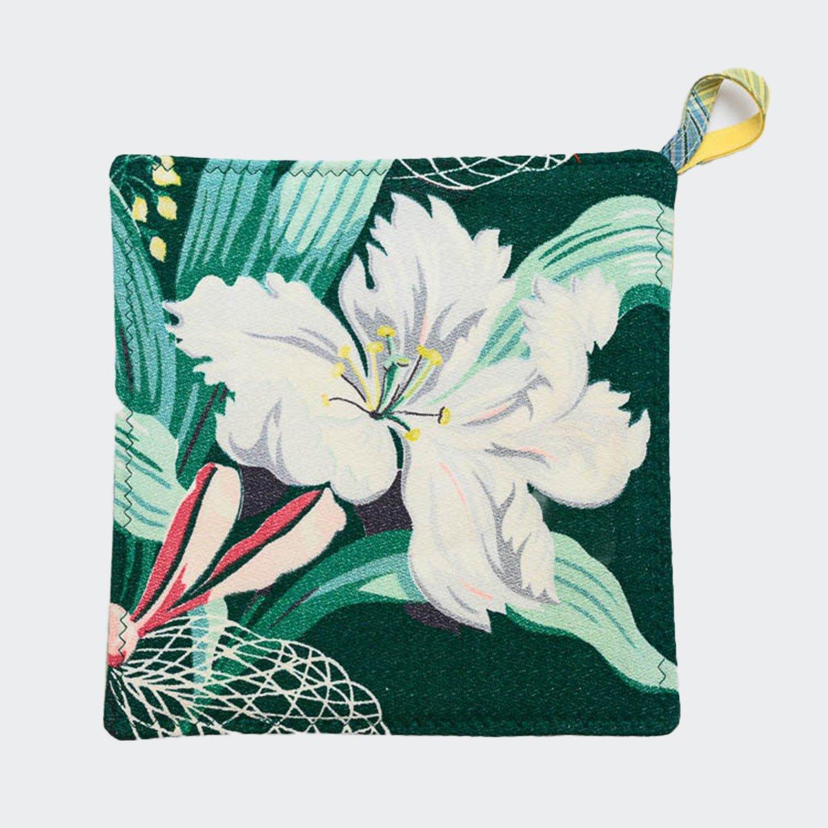 potholders_floral_motif_on_green-MLP_6149