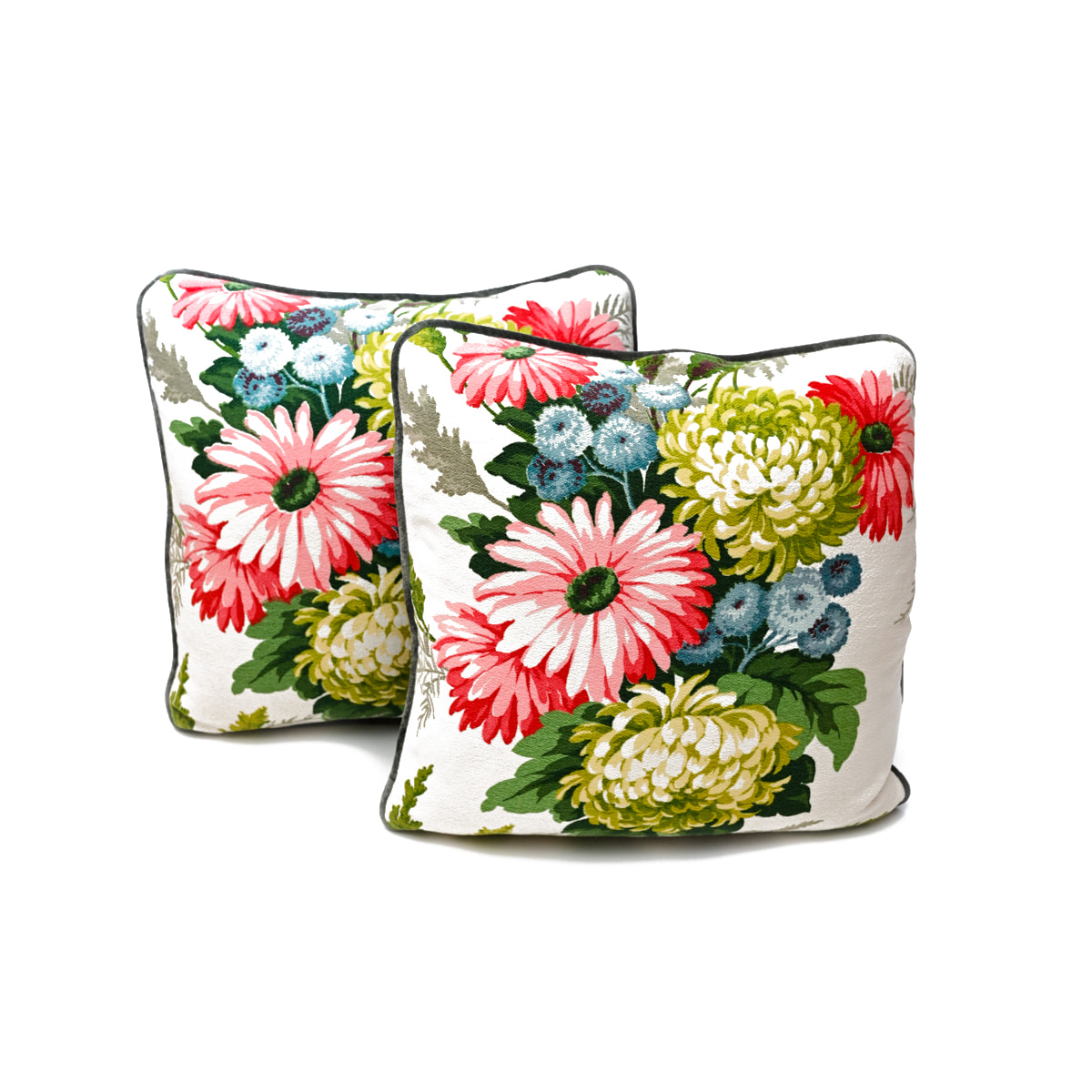 "Pair of pillows, Spring Bouquet , 19""x19"""